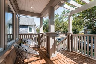 Photo 3: 2599 ST.GEORGE Street in Vancouver: Mount Pleasant VE 1/2 Duplex for sale (Vancouver East)  : MLS®# R2393211