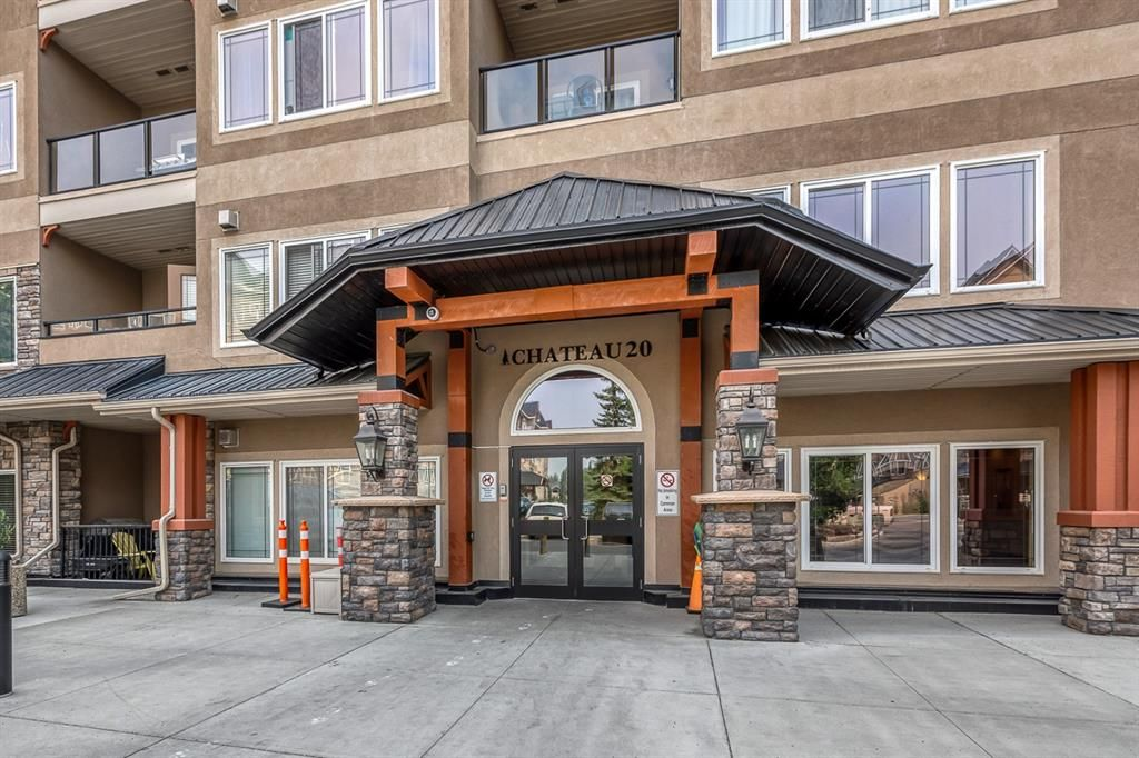 Main Photo: 323 20 Discovery Ridge Close SW in Calgary: Discovery Ridge Apartment for sale : MLS®# A1128263