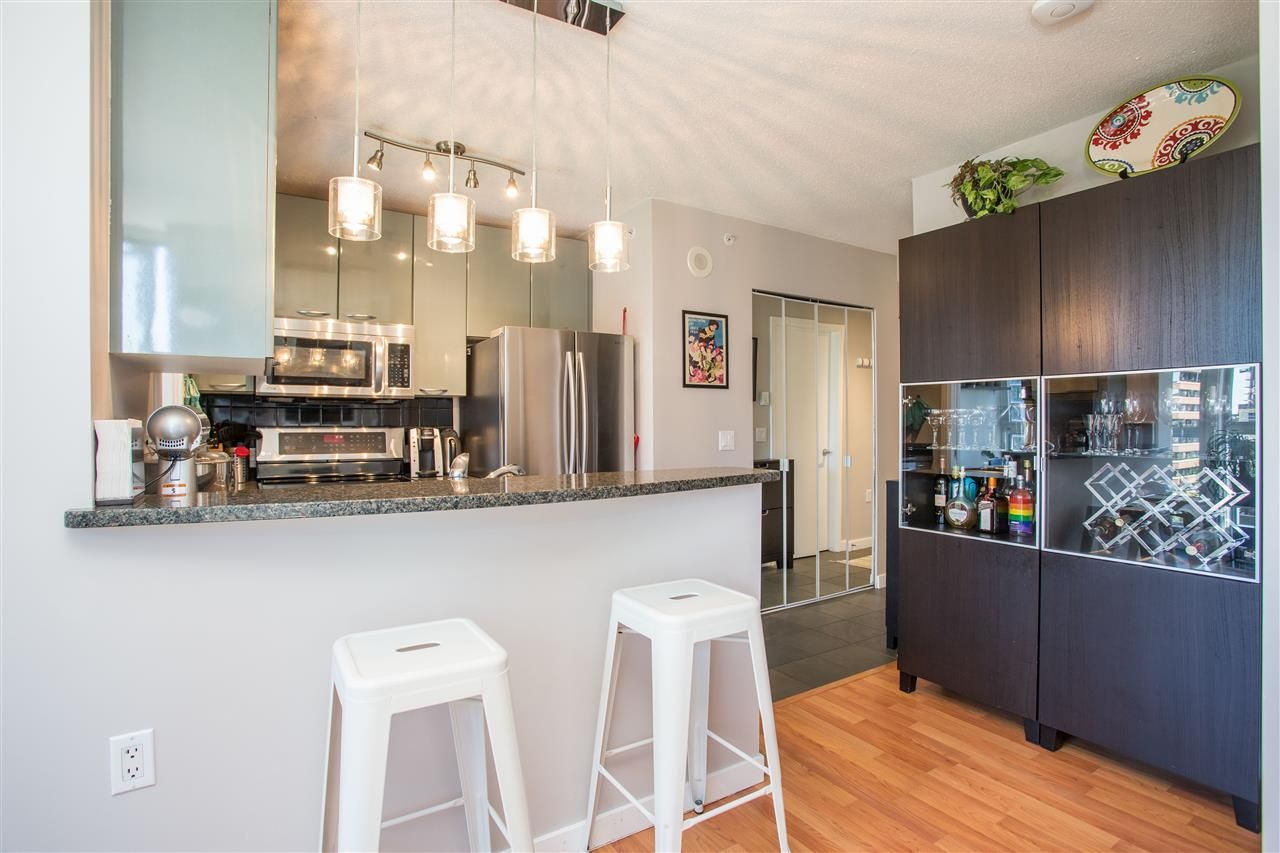 """Photo 5: Photos: 1008 1068 HORNBY Street in Vancouver: Downtown VW Condo for sale in """"The Canadian"""" (Vancouver West)  : MLS®# R2389948"""