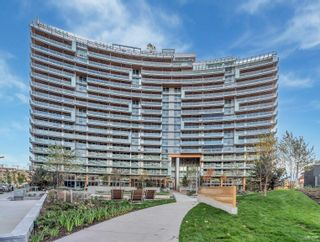 """Photo 2: 509 1768 COOK Street in Vancouver: False Creek Condo for sale in """"Avenue One"""" (Vancouver West)  : MLS®# R2625524"""