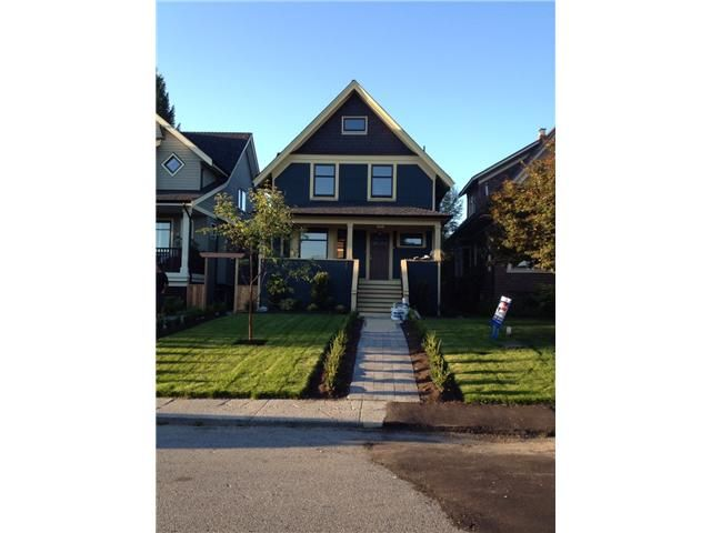 Main Photo: 252 E 10TH ST in North Vancouver: Central Lonsdale Condo for sale : MLS®# V1028207
