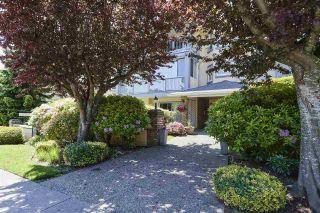 """Photo 20: 304 1459 BLACKWOOD Street: White Rock Condo for sale in """"CHARTWELL"""" (South Surrey White Rock)  : MLS®# R2393628"""