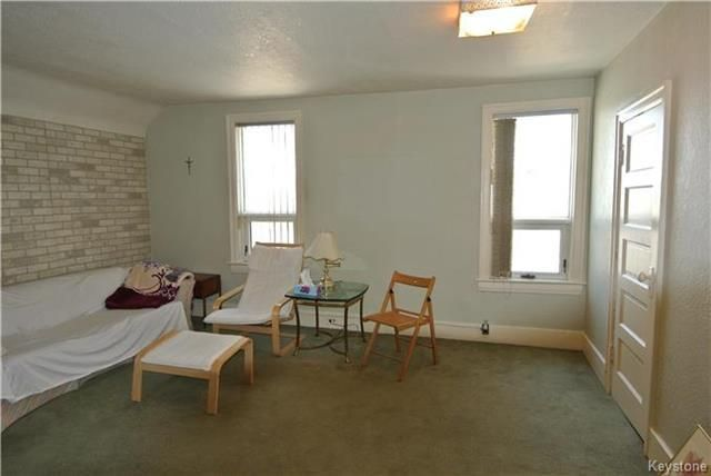 Photo 9: Photos: 570 Aberdeen Avenue in Winnipeg: North End Residential for sale (4B)  : MLS®# 1809083