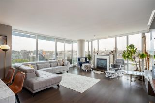 """Photo 2: 1802 8 SMITHE Mews in Vancouver: Yaletown Condo for sale in """"Flagship"""" (Vancouver West)  : MLS®# R2577399"""