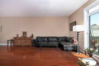 Photo 10: 4 2311 Watkiss Way in : VR Hospital Row/Townhouse for sale (View Royal)  : MLS®# 878029