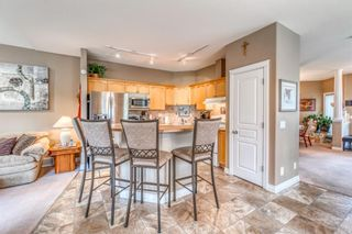 Photo 5: 252 Simcoe Place SW in Calgary: Signal Hill Semi Detached for sale : MLS®# A1131630