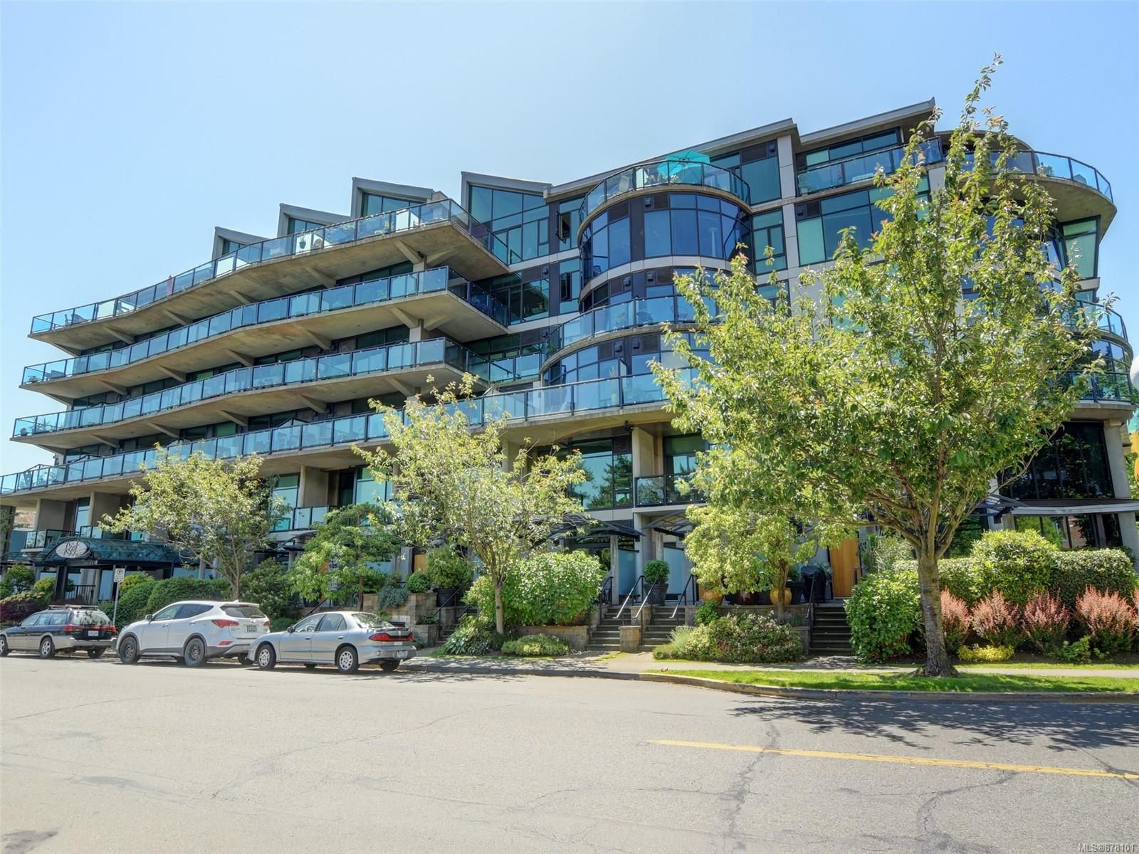 Main Photo: 114 21 Erie St in : Vi James Bay Row/Townhouse for sale (Victoria)  : MLS®# 878101