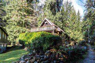 "Photo 2: 13 BRIGHTON Beach in North Vancouver: Indian Arm House for sale in ""Brighton Beach"" : MLS®# R2543871"