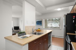 "Photo 15: 101 2187 BELLEVUE Avenue in West Vancouver: Dundarave Condo for sale in ""SURFSIDE TOWERS"" : MLS®# R2533628"