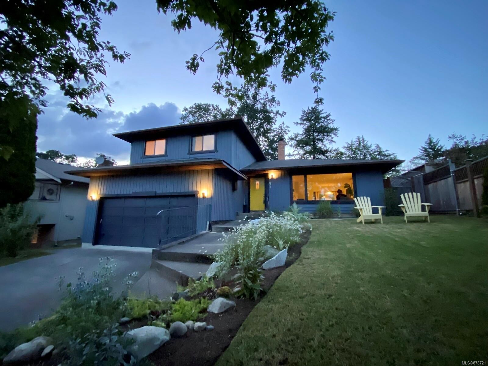 Main Photo: 972 Damelart Way in : CS Brentwood Bay House for sale (Central Saanich)  : MLS®# 878721