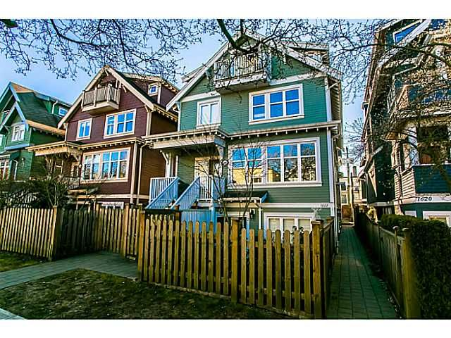 """Main Photo: 1 1624 GRANT Street in Vancouver: Grandview VE Townhouse for sale in """"GRANTS PLACE"""" (Vancouver East)  : MLS®# V1046767"""