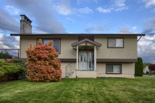 Photo 1: 46556 MONTANA Drive in Chilliwack: Fairfield Island House for sale : MLS®# R2576576