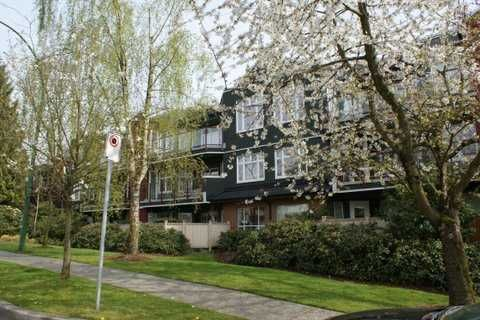 """Main Photo: # 205 121 W 29TH ST in North Vancouver: Upper Lonsdale Condo for sale in """"Somerset Green"""" : MLS®# V887382"""