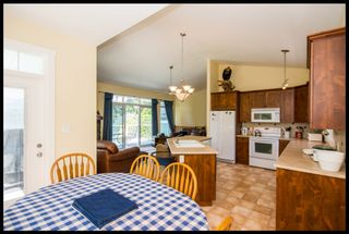 Photo 38: 3513 Eagle Bay Road in Eagle Bay: Waterfront House for sale : MLS®# 10100248
