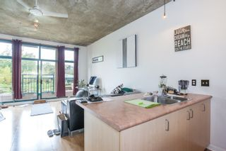 """Photo 2: 303 22 E CORDOVA Street in Vancouver: Downtown VE Condo for sale in """"Van Horne"""" (Vancouver East)  : MLS®# R2191464"""