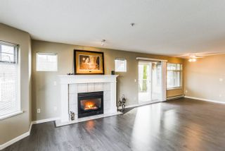 Photo 5: 106-20894 57 Ave in Langley: Langley City Condo for sale