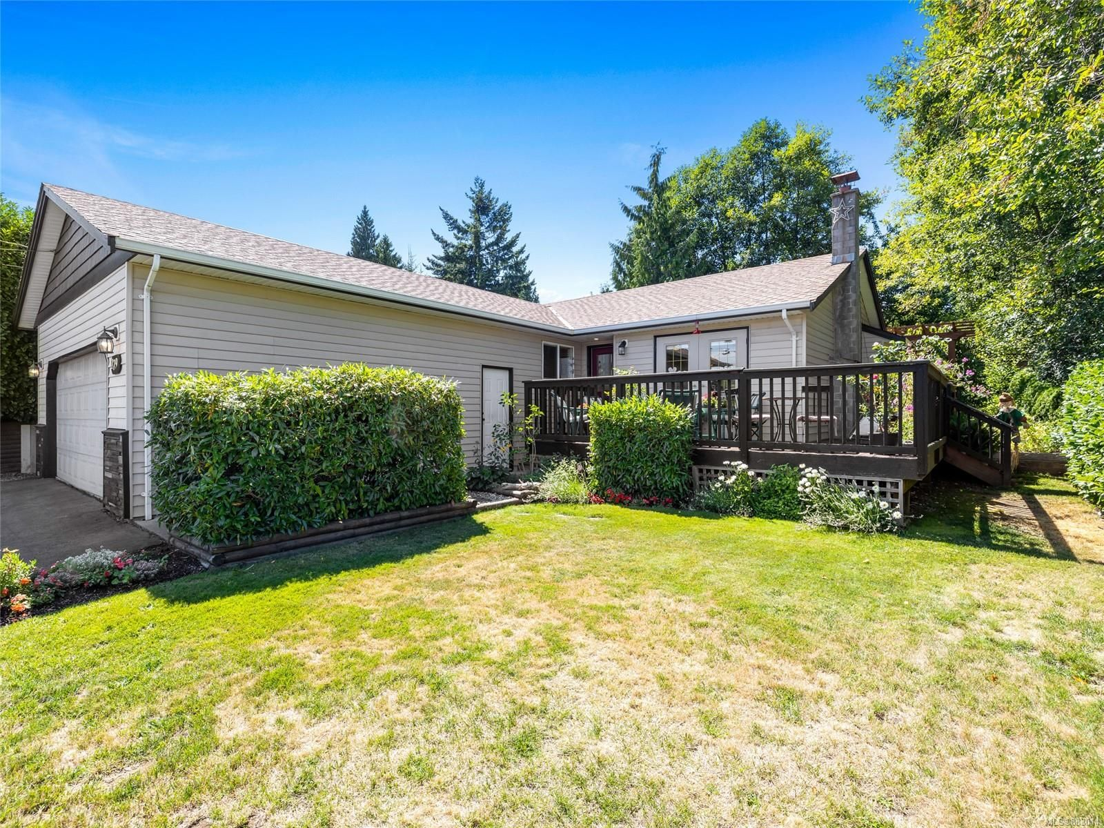 Main Photo: 179 Calder Rd in : Na University District House for sale (Nanaimo)  : MLS®# 883014