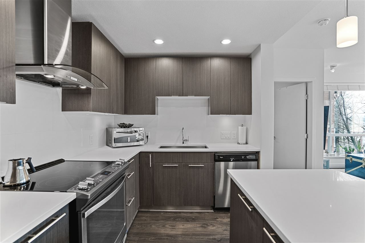 Photo 8: Photos: 326 723 W 3RD STREET in North Vancouver: Harbourside Condo for sale : MLS®# R2434964