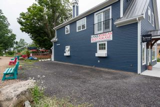 Photo 2: 8 ELM Avenue in Wolfville: 404-Kings County Commercial for sale (Annapolis Valley)  : MLS®# 202107494