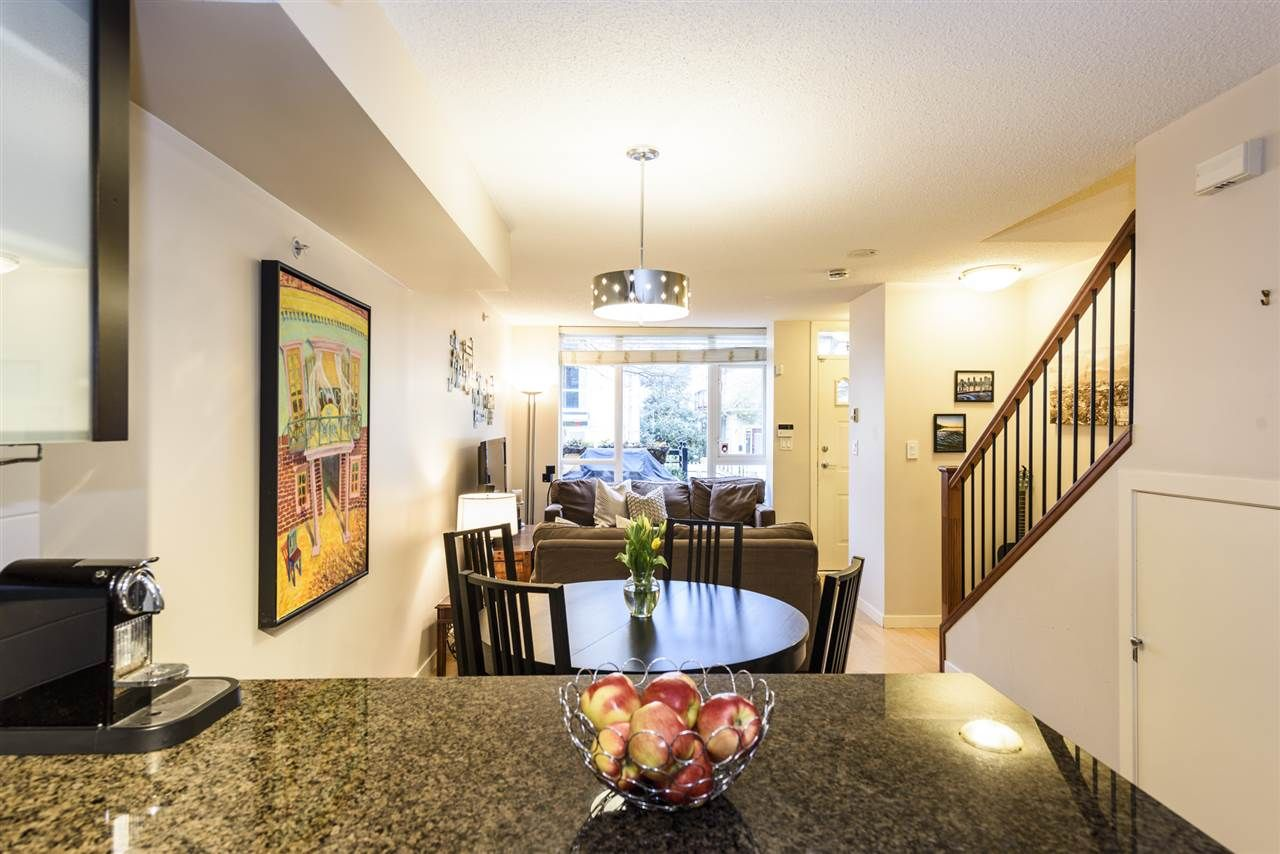 Photo 11: Photos: 1644 W 7TH AVENUE in Vancouver: Fairview VW Townhouse for sale (Vancouver West)  : MLS®# R2543861