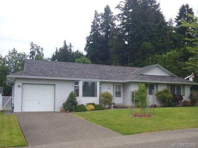 Main Photo: 1400 Dogwood Ave in COMOX: CV Comox (Town of) House for sale (Comox Valley)  : MLS®# 672306