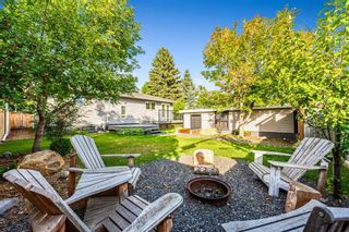 Photo 33: 143 Capri Avenue NW in Calgary: Charleswood Detached for sale : MLS®# A1143044