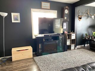 Photo 2: 825 2nd Avenue in Raymore: Residential for sale : MLS®# SK841222