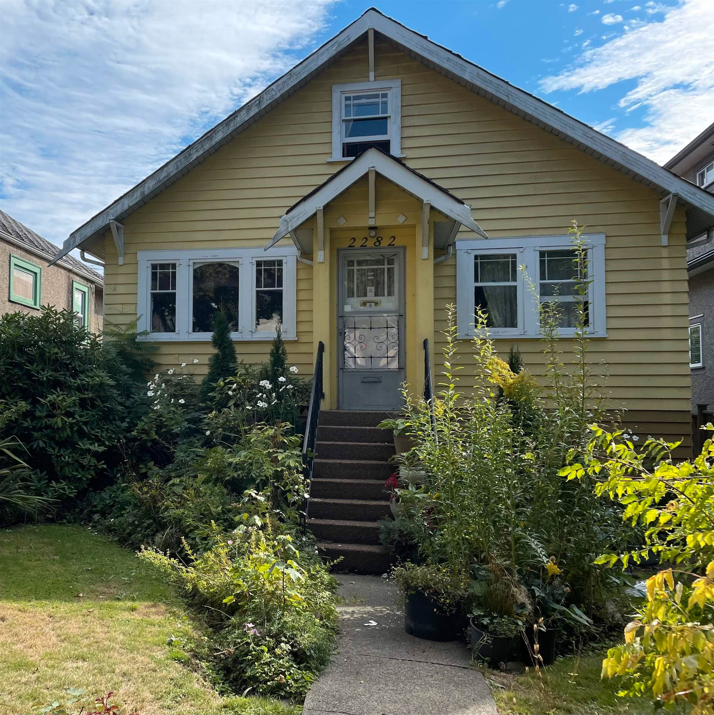 Main Photo: 2282 E 8TH Avenue in Vancouver: Grandview Woodland House for sale (Vancouver East)  : MLS®# R2618473