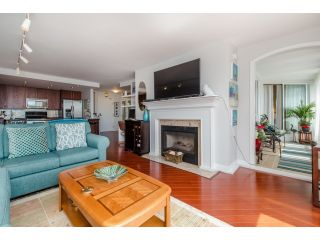 """Photo 8: 707 15111 RUSSELL Avenue: White Rock Condo for sale in """"PACIFIC TERRACE"""" (South Surrey White Rock)  : MLS®# R2074159"""