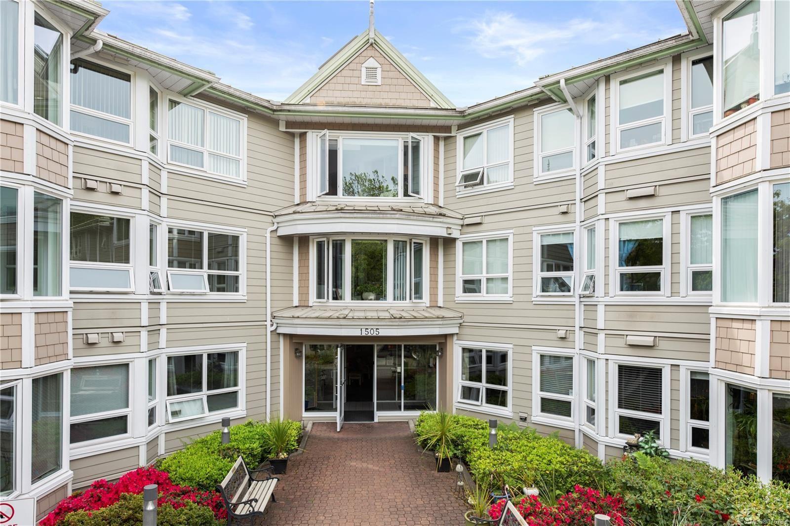 Main Photo: 213 1505 Church Ave in : SE Cedar Hill Condo for sale (Saanich East)  : MLS®# 876793