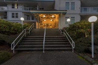 Photo 2: 105 390 S Island Hwy in : CR Campbell River South Condo for sale (Campbell River)  : MLS®# 878133