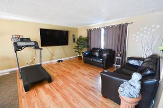 Photo 4: 8223 98 Avenue in Fort St. John: House for sale
