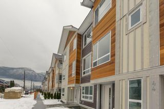 "Photo 1: 47 1188 WILSON Crescent in Squamish: Downtown SQ Townhouse for sale in ""The Current"" : MLS®# R2132243"