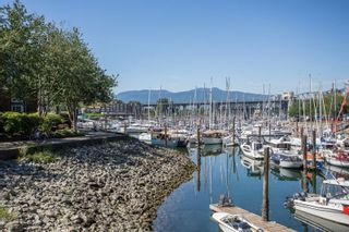 Photo 13: 1523 MARINER WALK in Vancouver: False Creek Townhouse for sale (Vancouver West)  : MLS®# R2367455