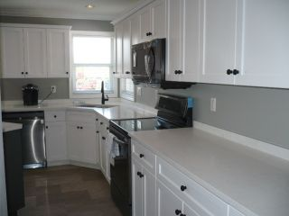 "Photo 3: 20273 KENT Street in Maple Ridge: Southwest Maple Ridge House for sale in ""Riverside Estates"" : MLS®# R2359412"