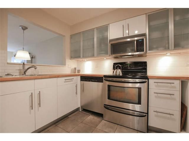Photo 9: Photos: 103 925 W 15TH Avenue in Vancouver: Fairview VW Condo  (Vancouver West)  : MLS®# V1112385