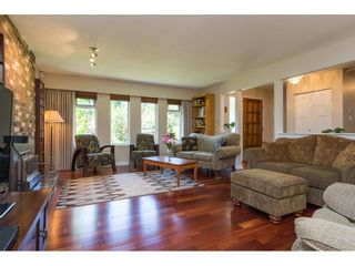 """Photo 4: 2422 123A Street in Surrey: Crescent Bch Ocean Pk. House for sale in """"Crescent Heights"""" (South Surrey White Rock)  : MLS®# R2186856"""