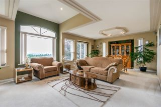 """Photo 3: 7947 TOPPER Drive in Mission: Mission BC House for sale in """"College Heights"""" : MLS®# R2381617"""