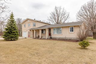 Main Photo: 300 ASPEN Drive in Blumenort: R16 Residential for sale : MLS®# 202109878