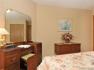Photo 16: 414 1560 Hillside Ave in VICTORIA: Vi Oaklands Condo for sale (Victoria)  : MLS®# 620343