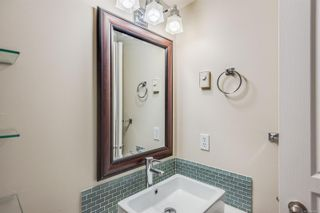 Photo 19: 102 1025 Meares St in Victoria: Vi Downtown Condo for sale : MLS®# 858477