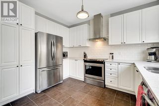 Photo 9: 137 FLOWING CREEK CIRCLE in Ottawa: House for sale : MLS®# 1265124