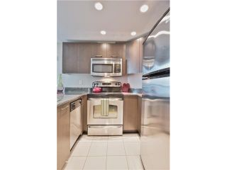"""Photo 9: 504 1212 HOWE Street in Vancouver: Downtown VW Condo for sale in """"1212 HOWE"""" (Vancouver West)  : MLS®# V1054674"""