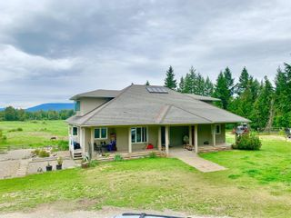 Photo 2: 1711 Davies Road, in Sorrento: House for sale : MLS®# 10233296