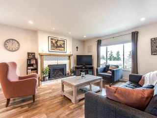 """Photo 2: 21744 48A Avenue in Langley: Murrayville House for sale in """"MURRAYVILLE"""" : MLS®# R2451789"""