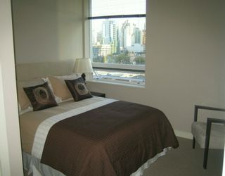 """Photo 15: 638 BEACH Crescent in Vancouver: False Creek North Condo for sale in """"ICON"""" (Vancouver West)  : MLS®# V618693"""