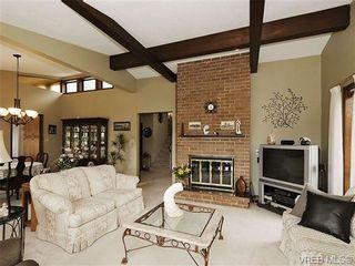 Photo 3: 8092 Mahon Pl in SAANICHTON: CS Saanichton House for sale (Central Saanich)  : MLS®# 649318