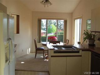 Photo 6: 2371 Moore Pl in VICTORIA: CS Tanner House for sale (Central Saanich)  : MLS®# 669843