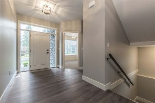 """Photo 3: 52764 STONEWOOD Place in Rosedale: Rosedale Popkum House for sale in """"Stonewood"""" : MLS®# R2383488"""