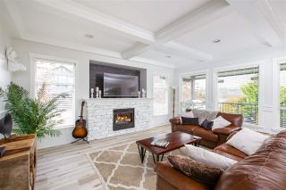 Photo 2: 19801 SILVERTHORNE PLACE in Pitt Meadows: South Meadows House for sale : MLS®# R2323071